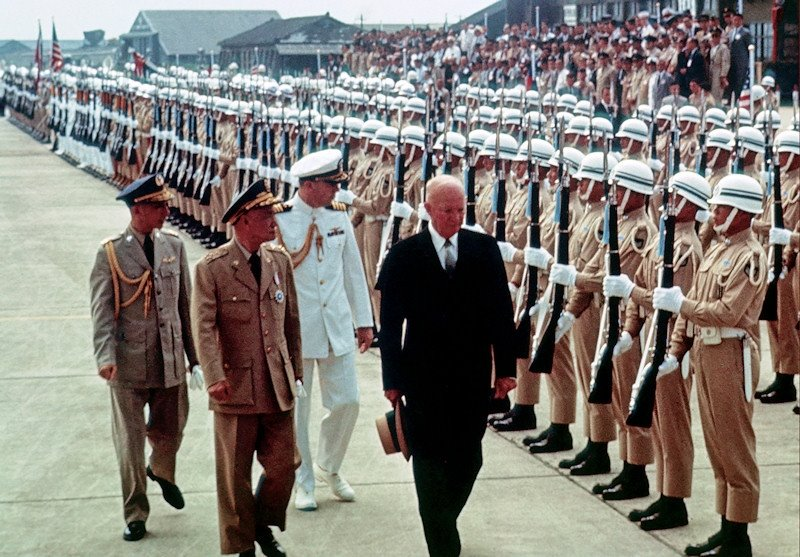 1960 Eisenhower in Taipei2.jpg