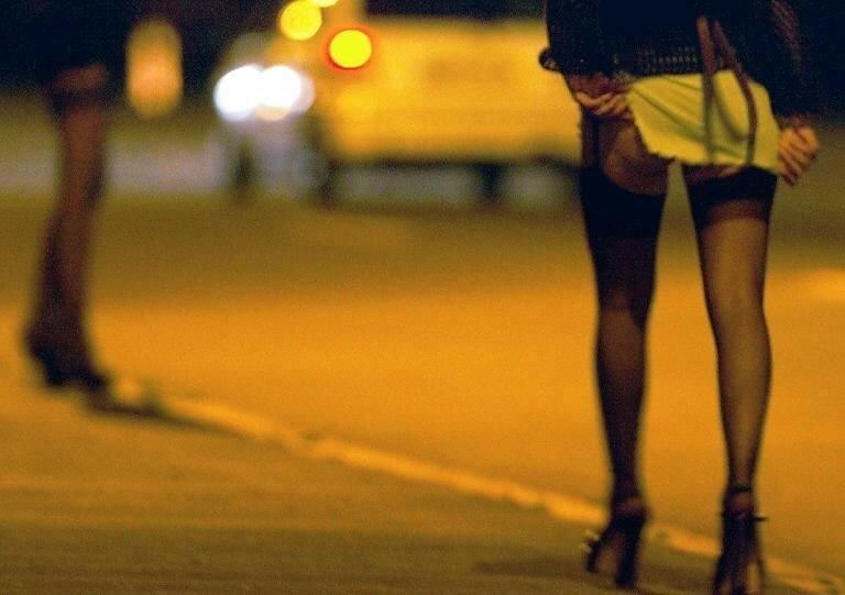 Почему женщины так не любят проституток