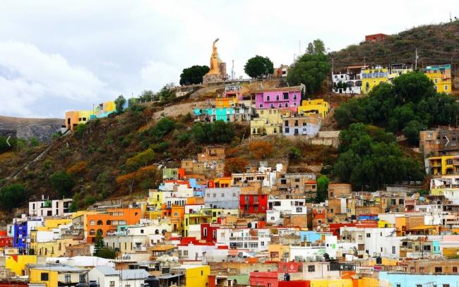 Прямо посреди Мексики находится культурно развитый город Гуанахуато. Отличную квартиру здесь можно с