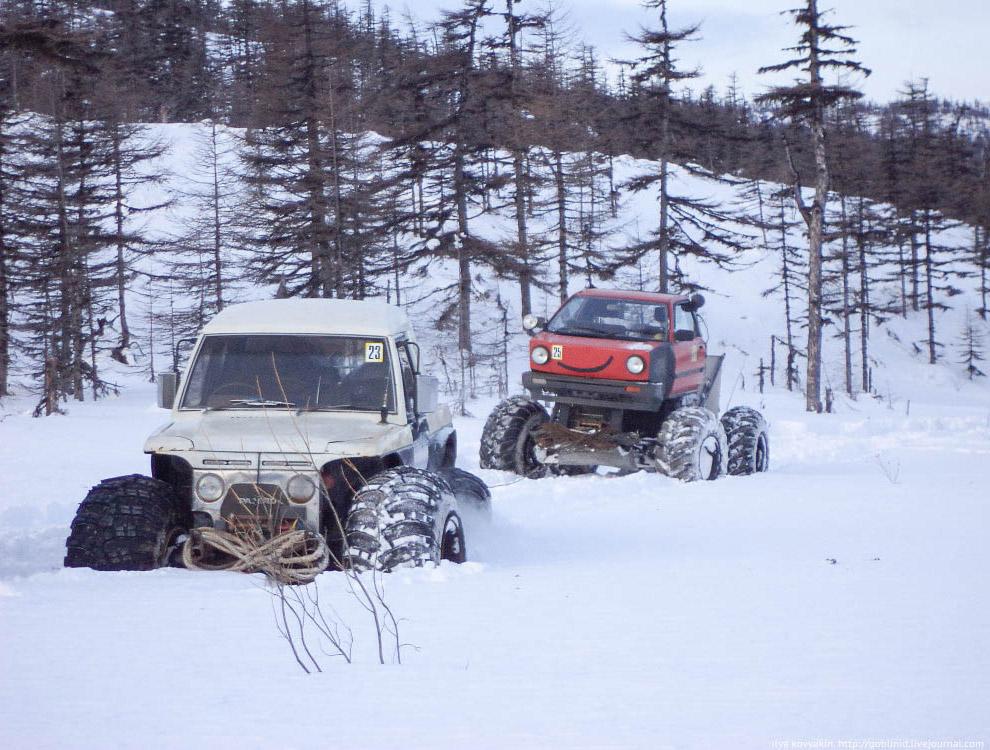 6. Трудна дорога до этой бухты на снегоходе. Но, в связи с труднодоступностью, рыба ловится там
