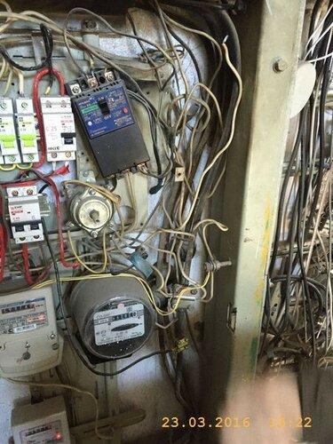 В электрощите надо поменять автоматы и счетчик