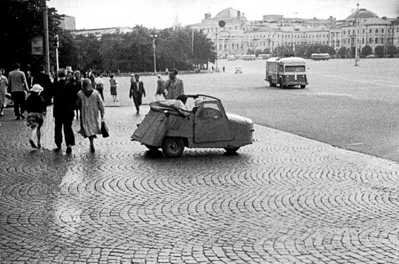 437939 Вид на Манежную площадь 1959 Питер Робертсон.jpg