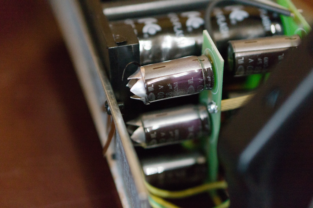 Falcon Eyes DE-300B взрыв конденсатора