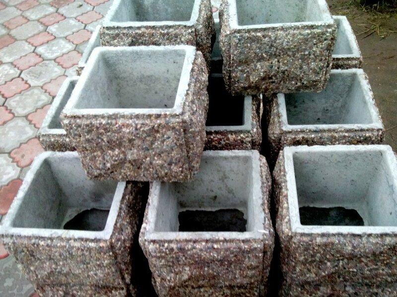 Блок забора столбовой офактуренный камнем. Размер 300 х 300 х 300 мм