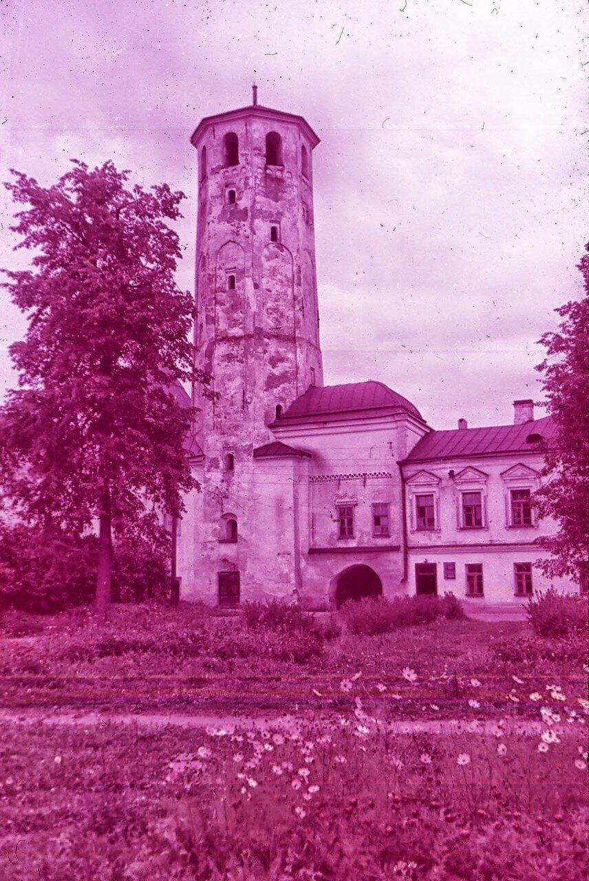 Новгород. Колокольня