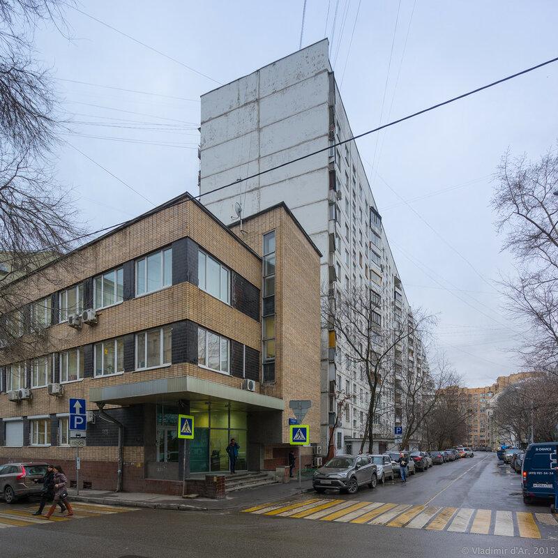 Троицкая улица, дом 10, строение 2 и дом 10, строение 1.