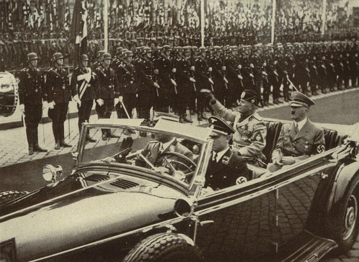 1937_mussolini_v_Germanii1.jpg