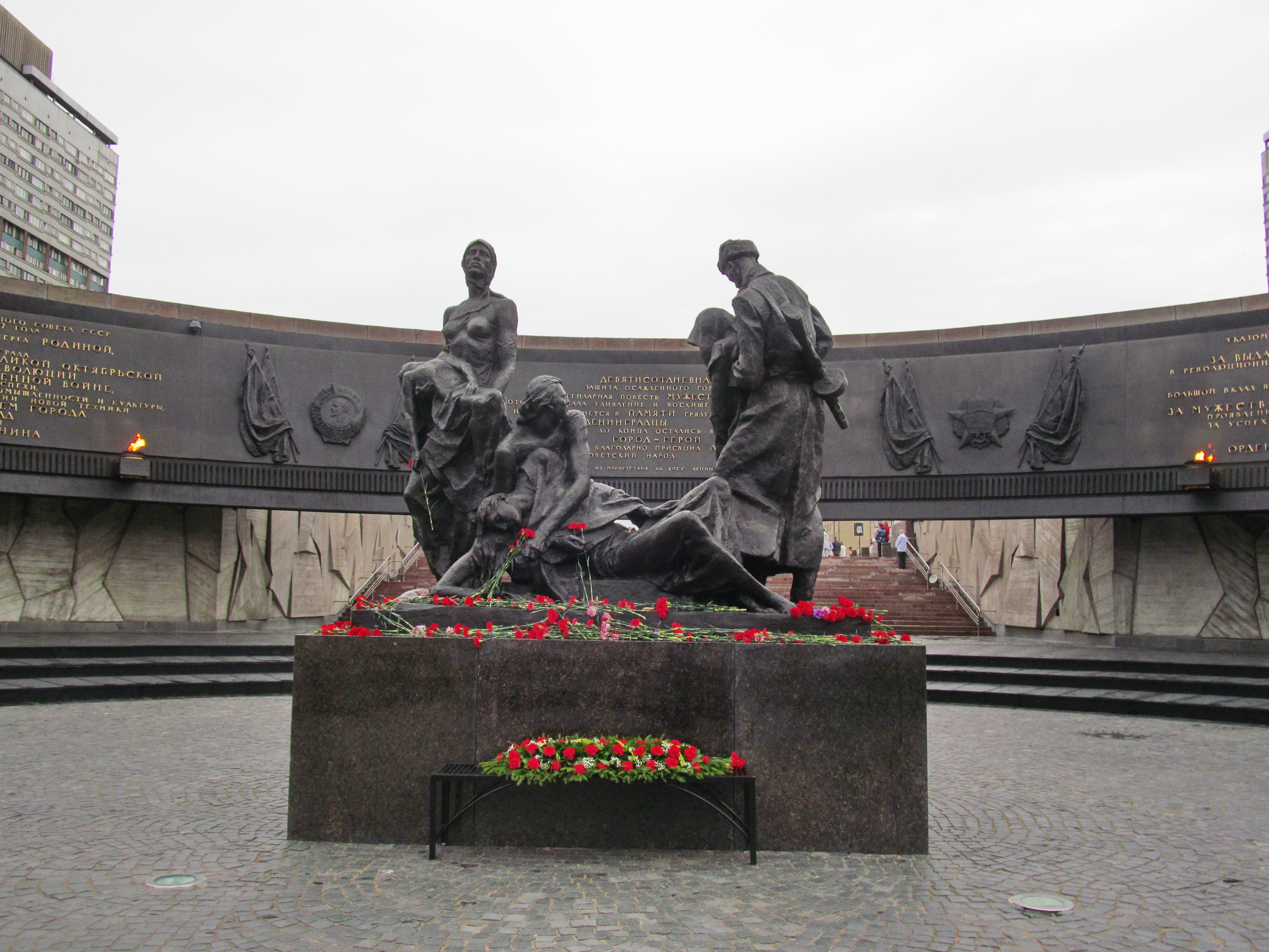 жизни военные памятники россии в санкт петербурге густо махровые темно