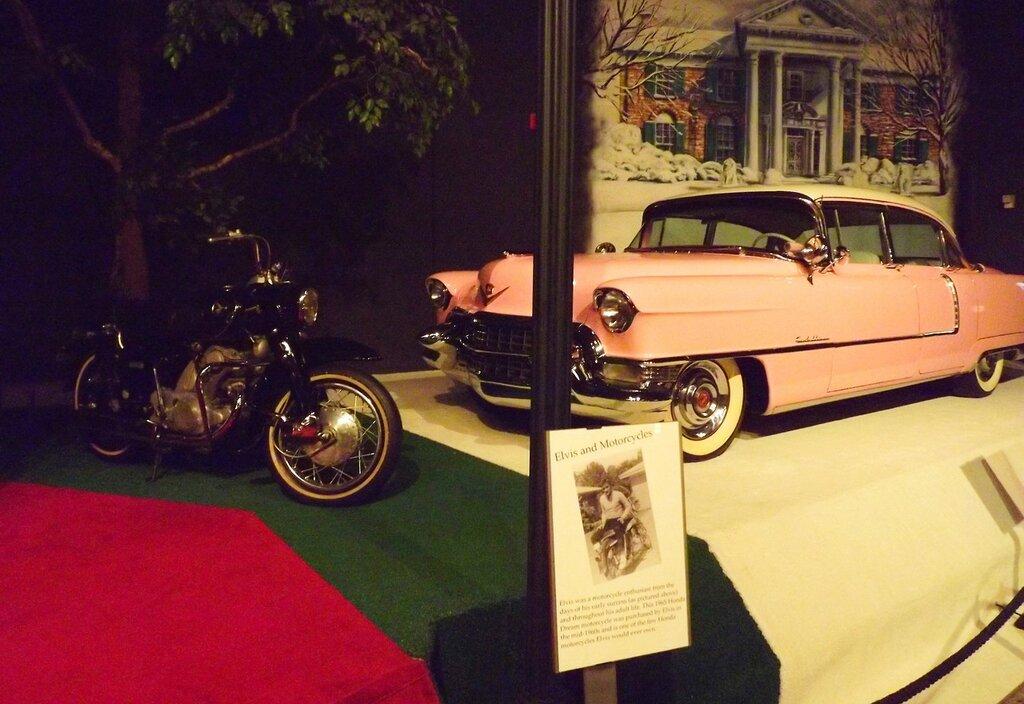 Розовый кадиллак.