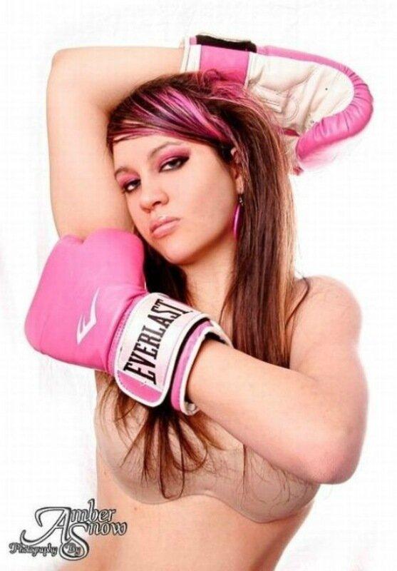 Фотографии девушек в боксерских перчатках