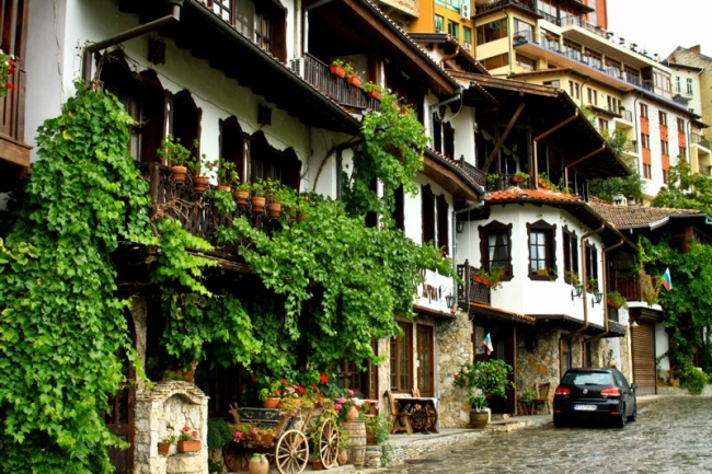 Это местечко находится в долине одноименной реки в северной части страны. Город — один из самых уютн
