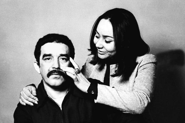 Габриэль Гарсиа Маркес встретил свою будущую жену натанцполе, когда ейбыло 13лет, исразуже пред