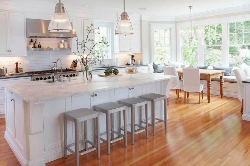 Дизайн кухни в светлых оттенках фото 9