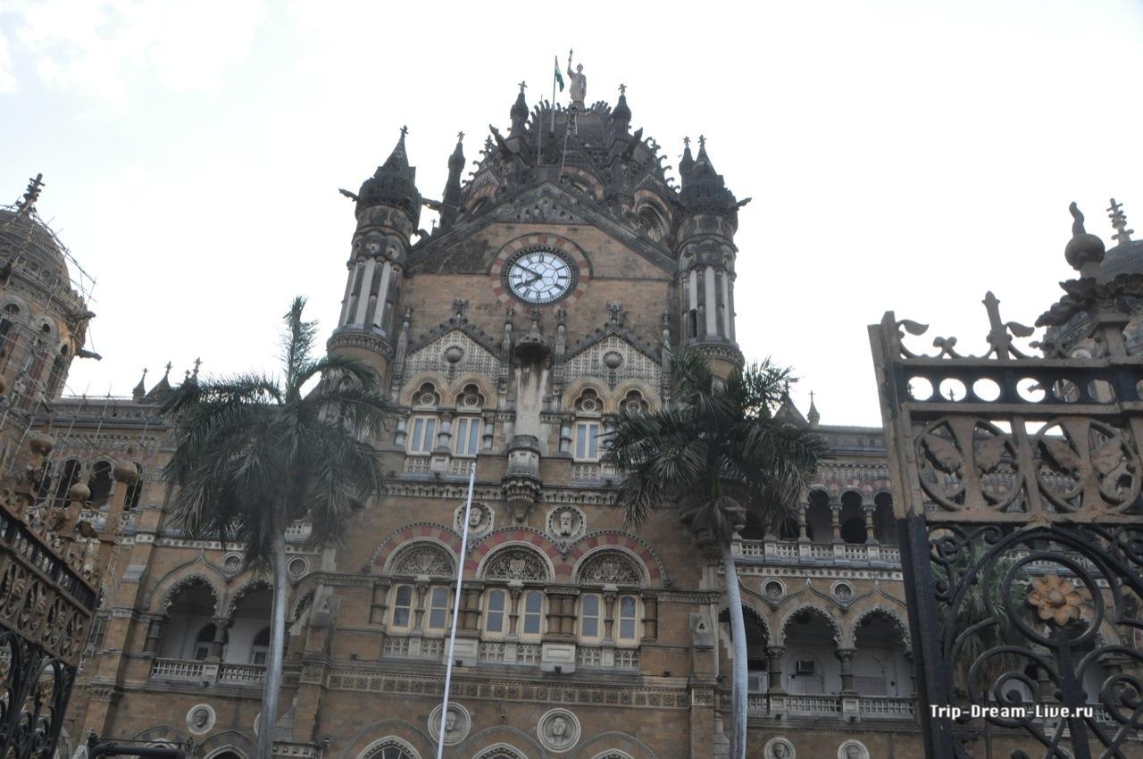 Вокзал Чхатрапати Шиваджи, более известный как вокзал королевы Виктории в Мумбаи