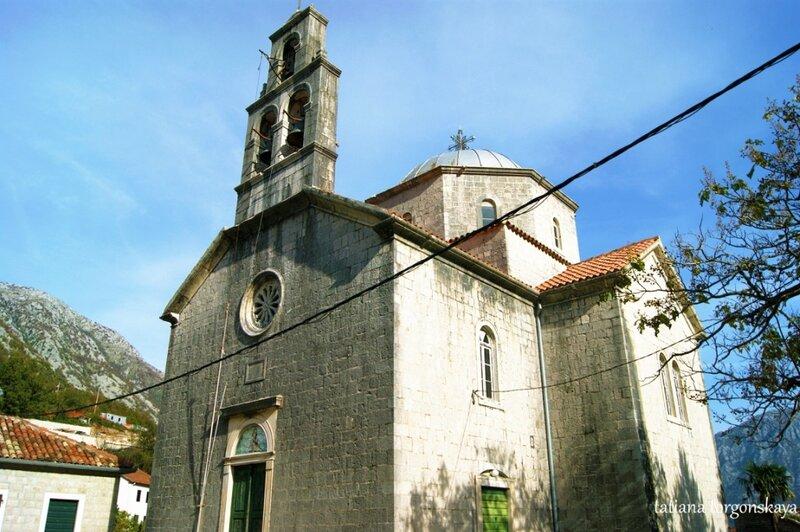 Фасад церкви Св. Саввы