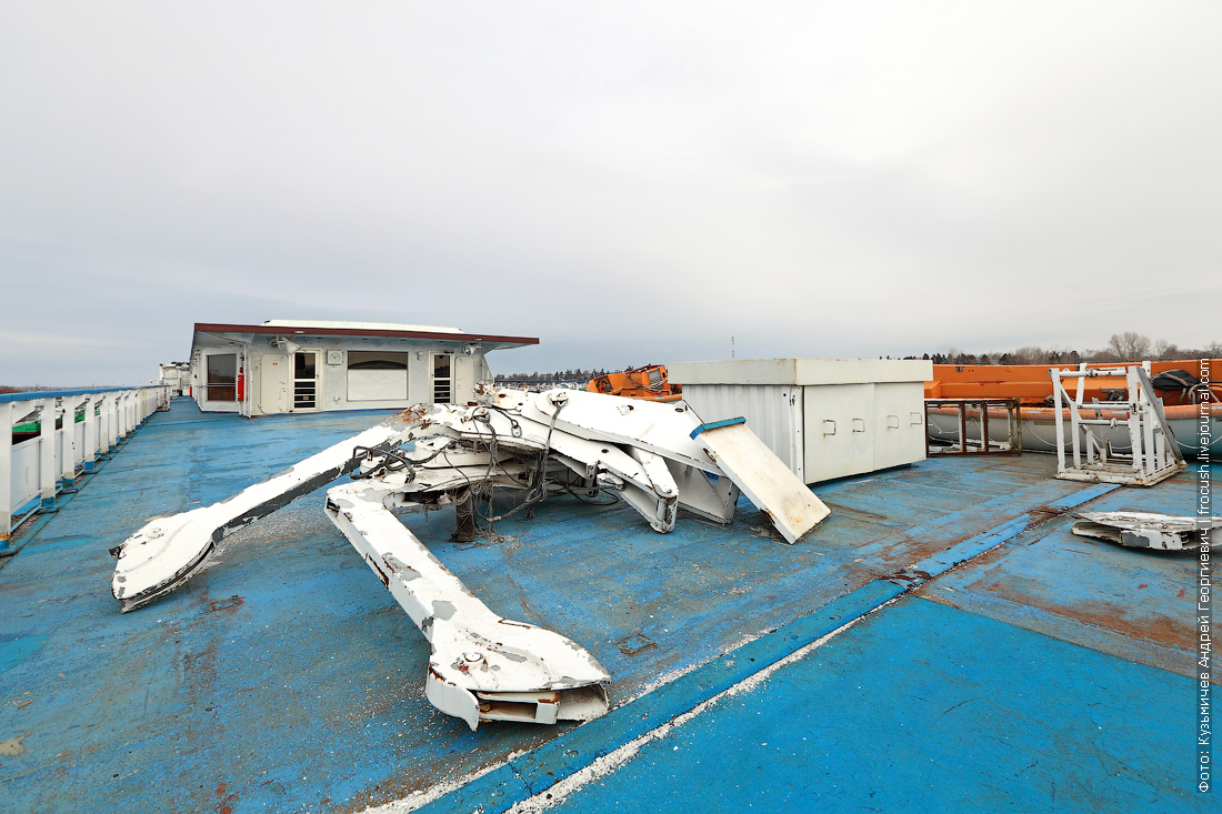 подготовительные работы к предстоящей навигации на теплоходе Княжна Анастасия
