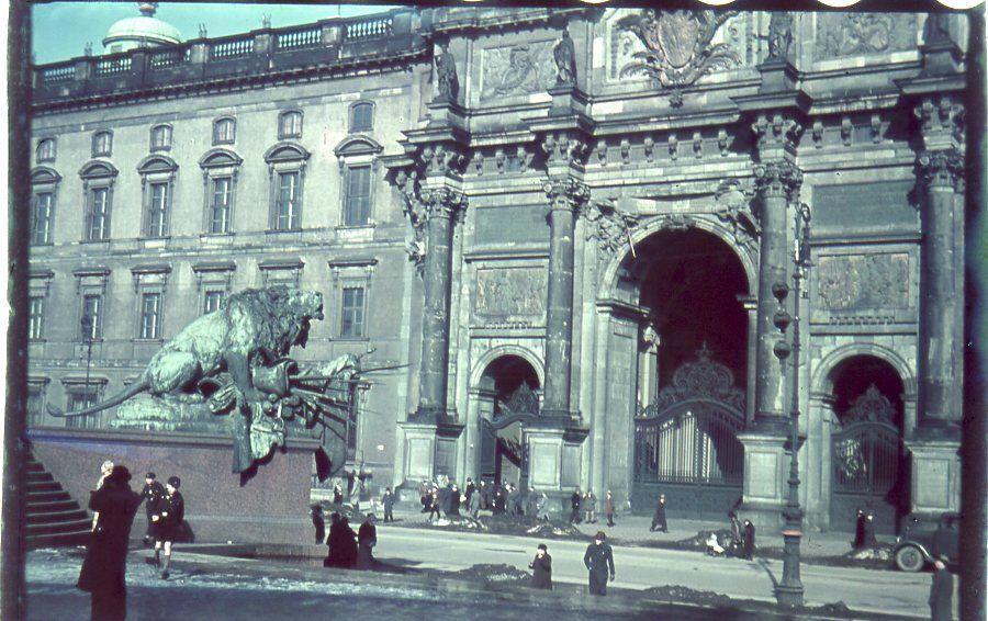 1940c Berlin Schloss.JPG