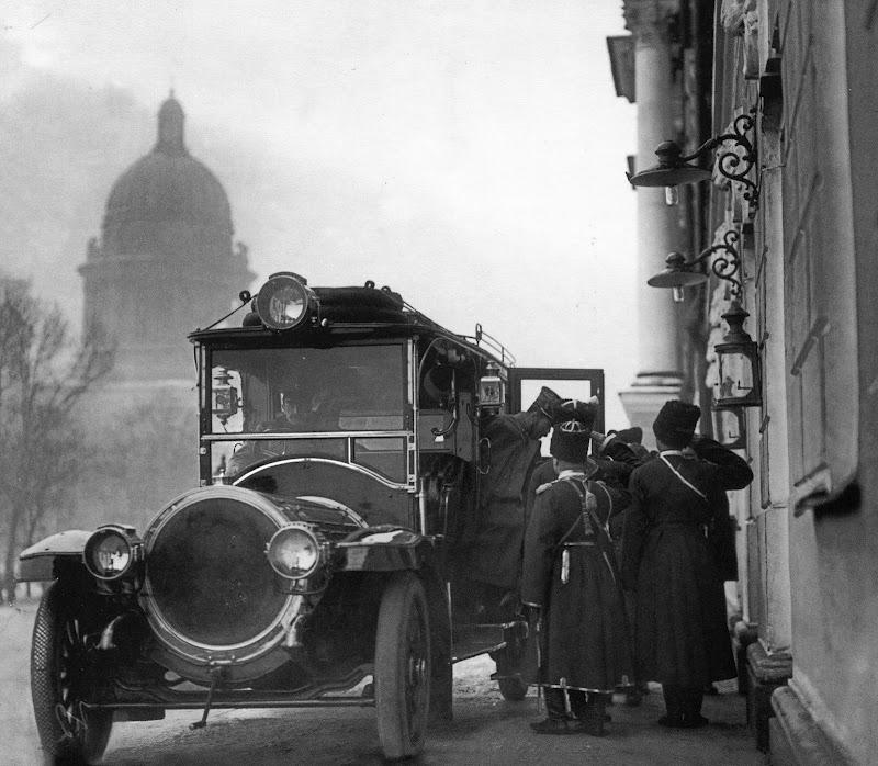 1911 Прибытие Государя на заседание Правительствующего Сената.jpg