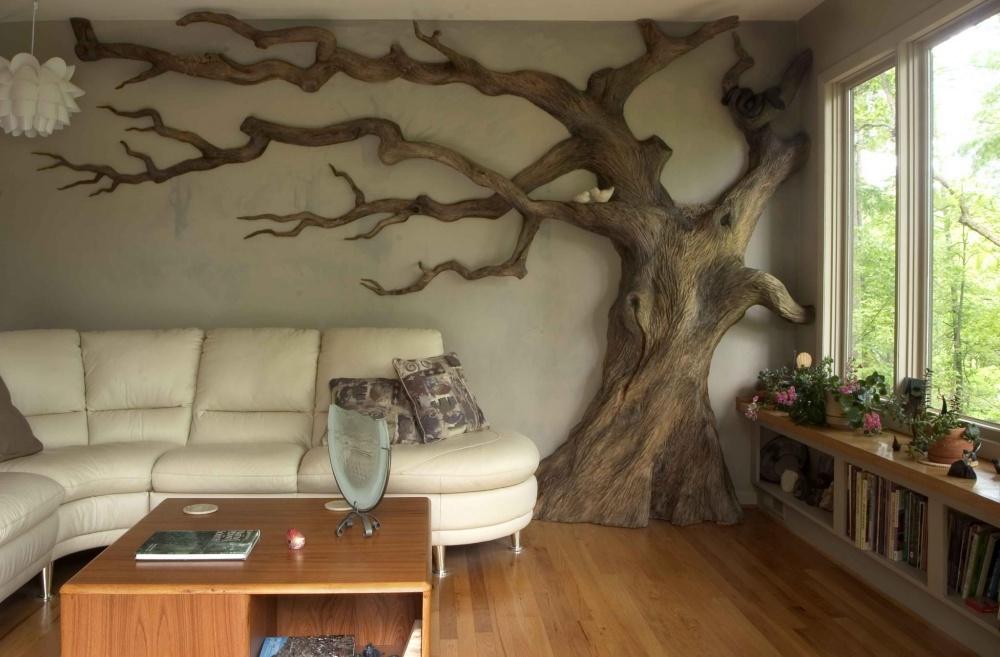 Если дома нехватает уголка природы, томожно обзавестись скульптурой дерева. Вовсю стену, разумеет