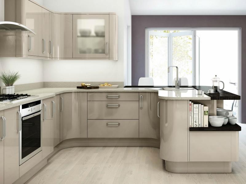Дизайн кухни в светлых оттенках фото 14