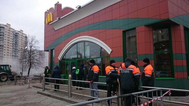 Снос незаконных строений в Москве у метро Марьино