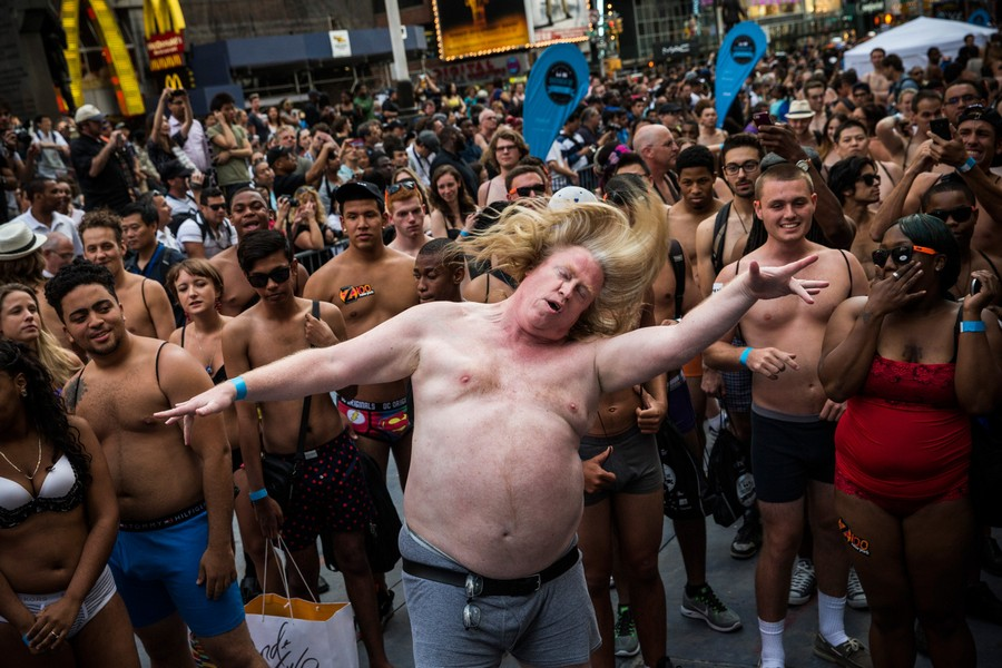The Unabashed Gather In Their Underwear In Times Square To Break Guinness World Record