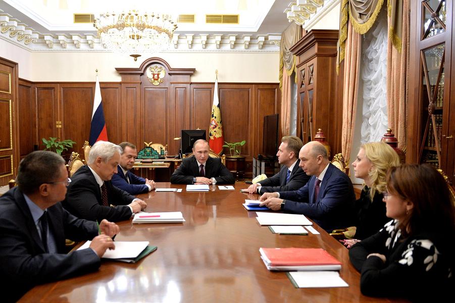 Ночное совещание у Путина 11.03.16.png