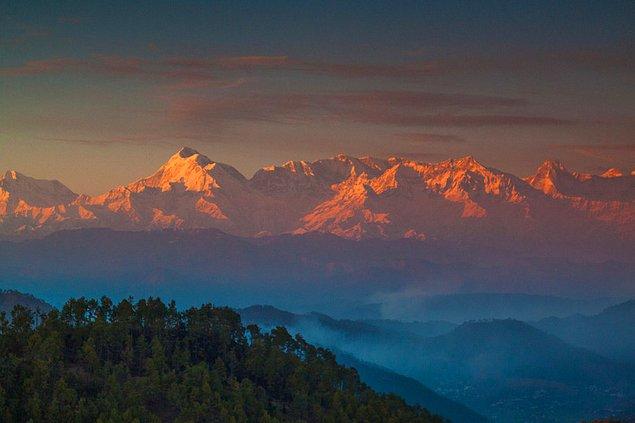 Гора Aara Devi, Алмора, Уттаракханд