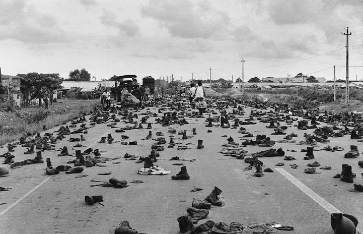 Жительницы Северного и Южного Вьетнама, пережившие войну и увидевшие воссоединение своей страны, изб