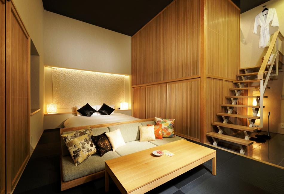 Слово владельцам: Один из многочисленных отелей любви в Роппонги, чьи цены соответствуют отличному м