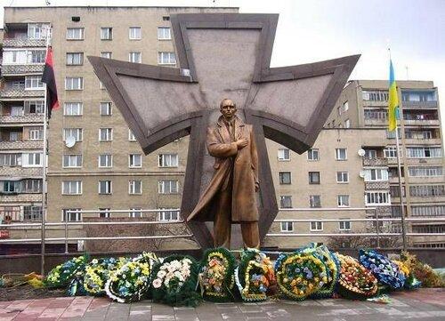 Хроники триффидов: Нет бандеровцев на Украине (с)