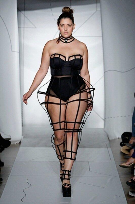 Боди позитив: модели с пышными формами захватили подиумы и обложки журналов
