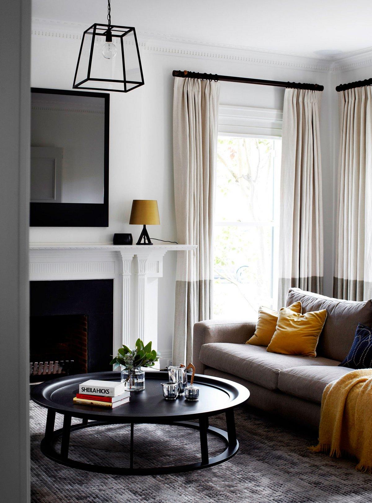 Robson Rak Architects, контрастный интерьер фото, черно-белый интерьер фото, контраст цветов в интерьере, дизайн интерьера частного дома