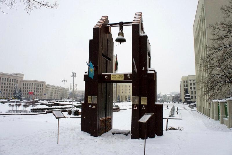 2016-01-09_022, Белоруссия, Минск, Площадь Независимости.jpg