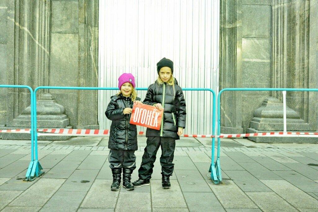 Дочери арестованного художника Петра Павленского – Алиса и Лилия