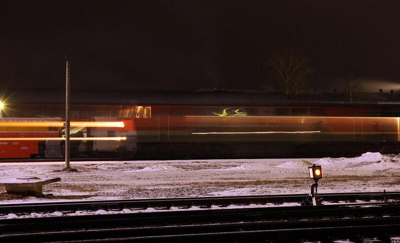 ТЭП70-0350 с поездом Кишинёв - Санкт-Петербург на станции Новосокольники