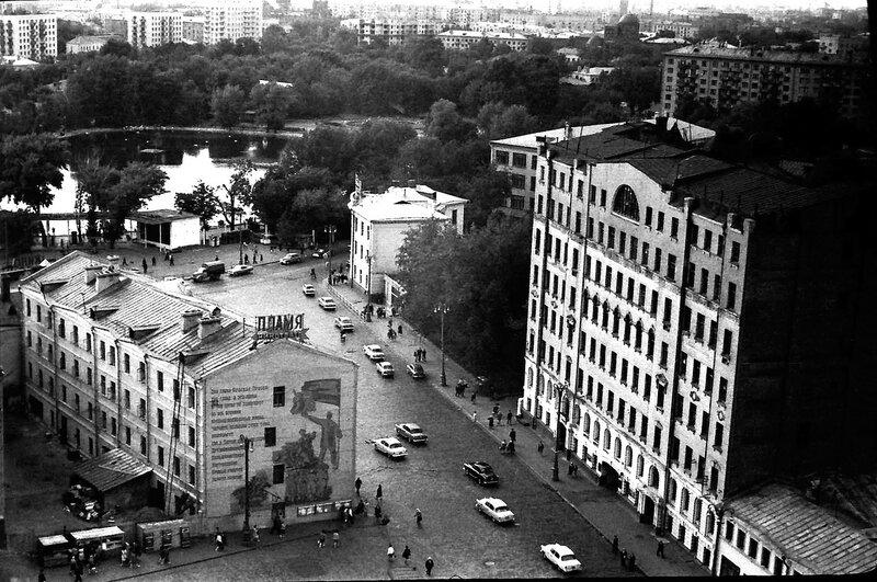 17386 Баррикадная ул. и вид на зоопарк Осмачек В.А. 1967.jpg