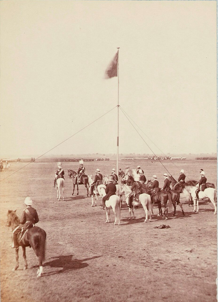 172. Принц Уэльский со своими спутниками в лагере. Дели (вариант снимка 25)