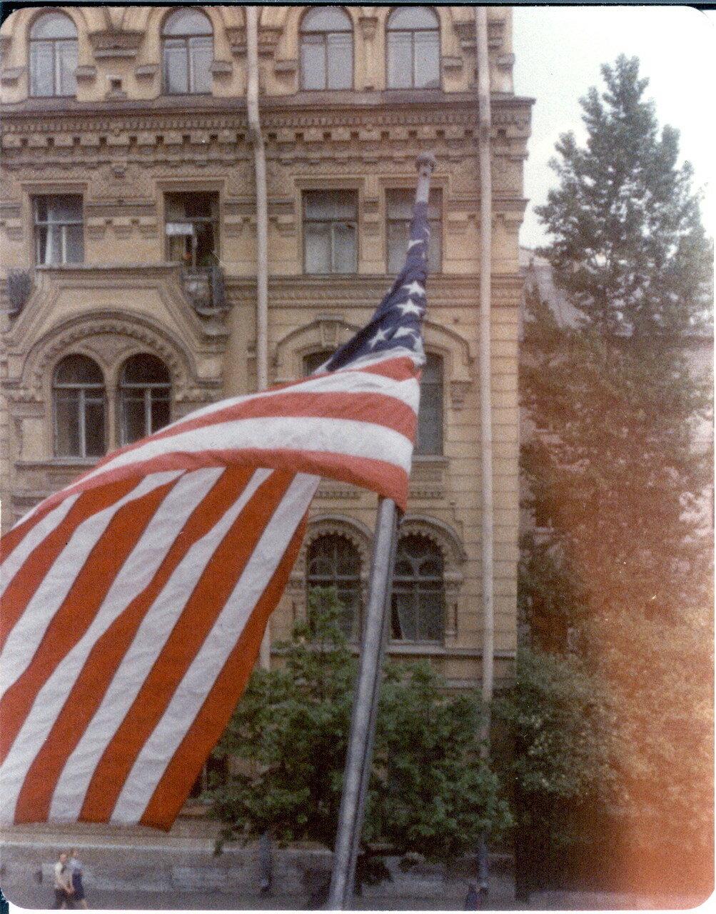Генеральное консульство США. Вид из окна офиса