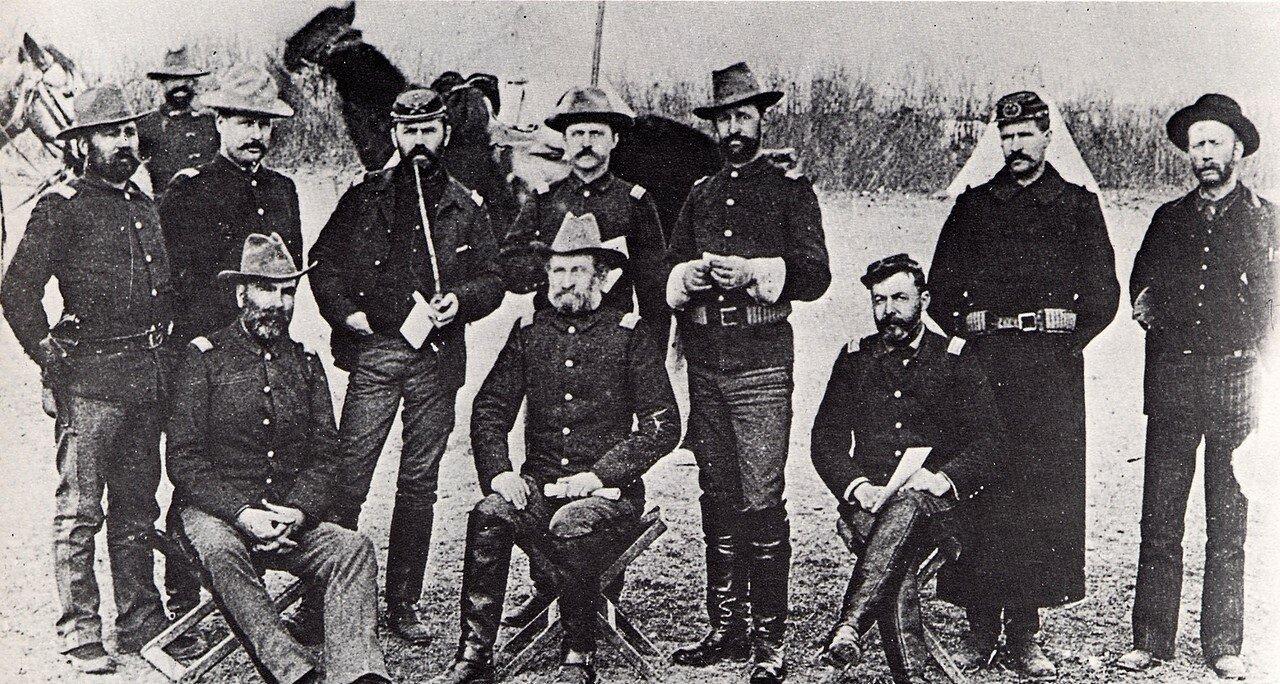 1890. Офицеры 7-го кавалерийского полка в Вундед-Ни