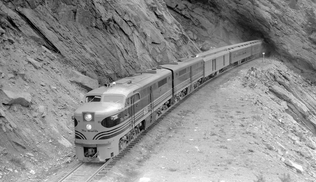 Denver & Rio Grande Western train, engine number 601 + additional diesel unit, engine type ALCO PA1, Train #6, Exposition Flyer; tunnel 3, near Plainview, Colo., May 25, 1947