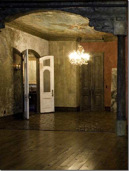Лофт для героя. Gerard Butler's Chelsea Loft