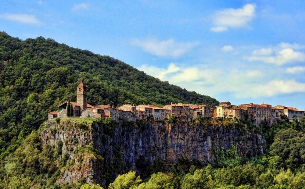 14. Кастельфольит-де-ла-Рока, Испания (© alejandro-martinez)