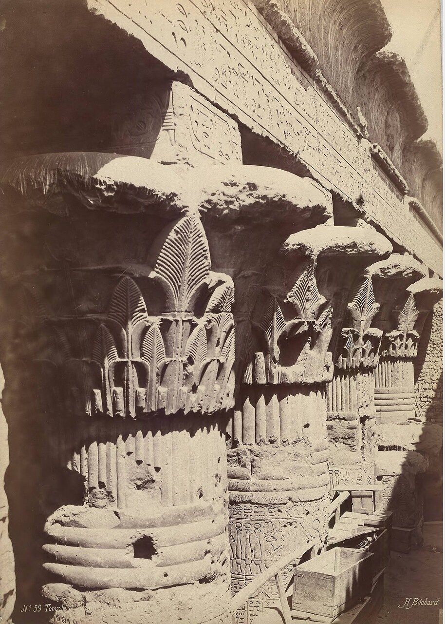 Эсна. Колонны храма
