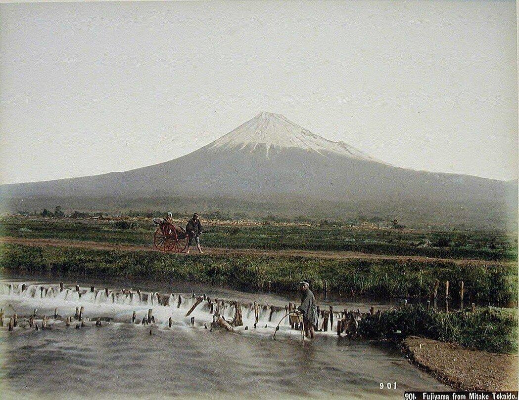 Вид на Фудзияму из Митаке
