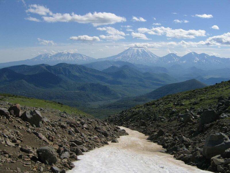 Вулканы Козельский, Авачинский, Корякский, Арик и Ааг, вид с Дзензура