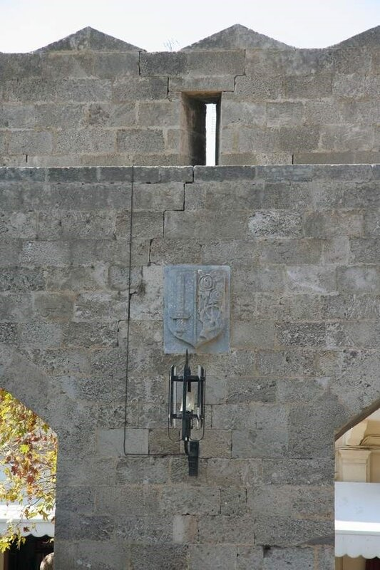 Стена Родосской крепости