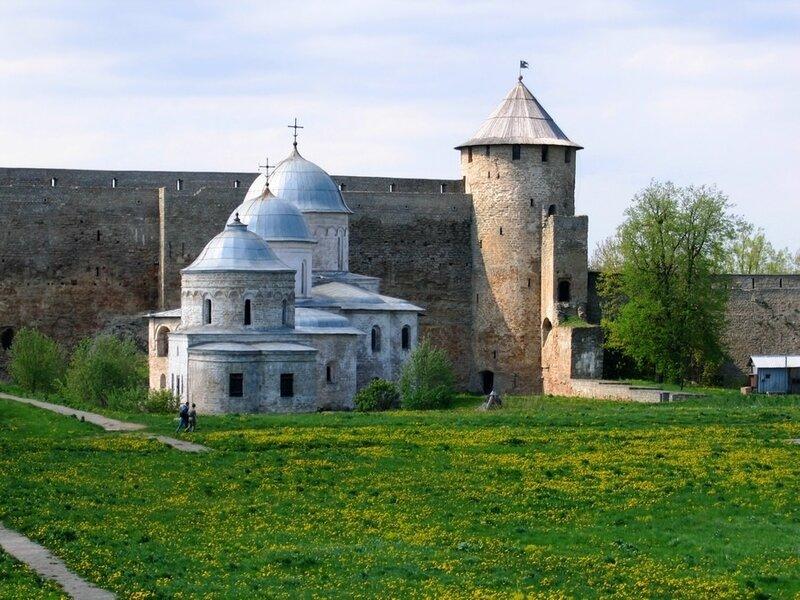 Никольская и Успенская церкви в крепости Ивангород