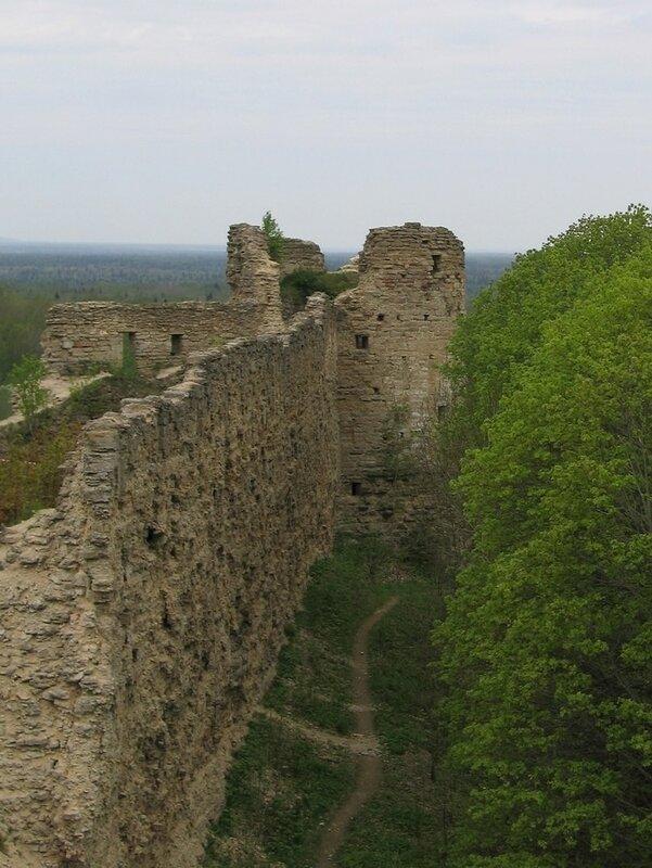Наугольная башня, крепость Копорье