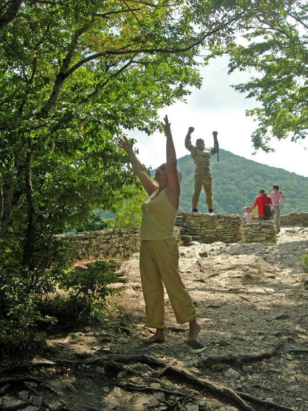 Дерево счастья - обряд, photo foto fotki history россия адлер сочи кавказ кавказские горы  орлиные скалы прометей титан миф фортуна древнегреческий бог пейзаж фото фотки апарышев